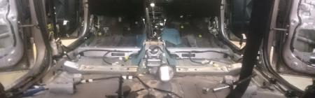2Auto salong enne müraisolatsiooni installeerimist.