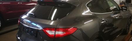 Stiili jagub. Moodne toonitud Itaallane. Maserati Levante.